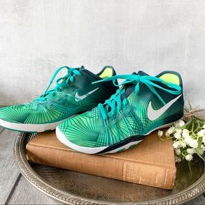 Excellent Condition Nike Free Run Shoes
